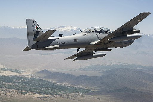 الولايات المتحده توافق على بيع 12 طائره A-29 Super Tucano الى نيجيريا  DGX6Yy0UMAAWTCi