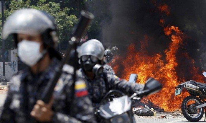 Vaticano pede que uso excessivo da força seja evitado na Venezuela . https://t.co/1fwg5Q8mvF