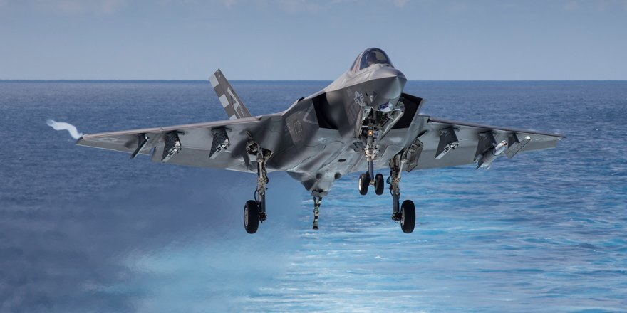 F-35C significantly enhances battle space awareness, lethality & survivability - Rear Adm Roy Kelly, @USNavy: https://t.co/sGd0W0t0rW #F35 https://t.co/Dmuwqo4yCE