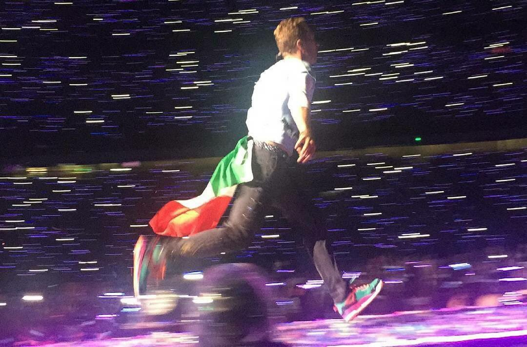 @coldplay Do you miss Italy like we miss you?  #ColdplayMilan #onemonthago <br>http://pic.twitter.com/104uwKaml1