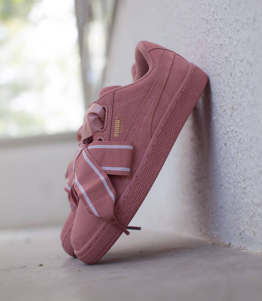 ... II PINK   364084-03 Instore and online    https   www.cornerstreet.fr catalog product view id 90901 s puma-wmns-suede- heart-satin-ii-pink  … c78beaec5