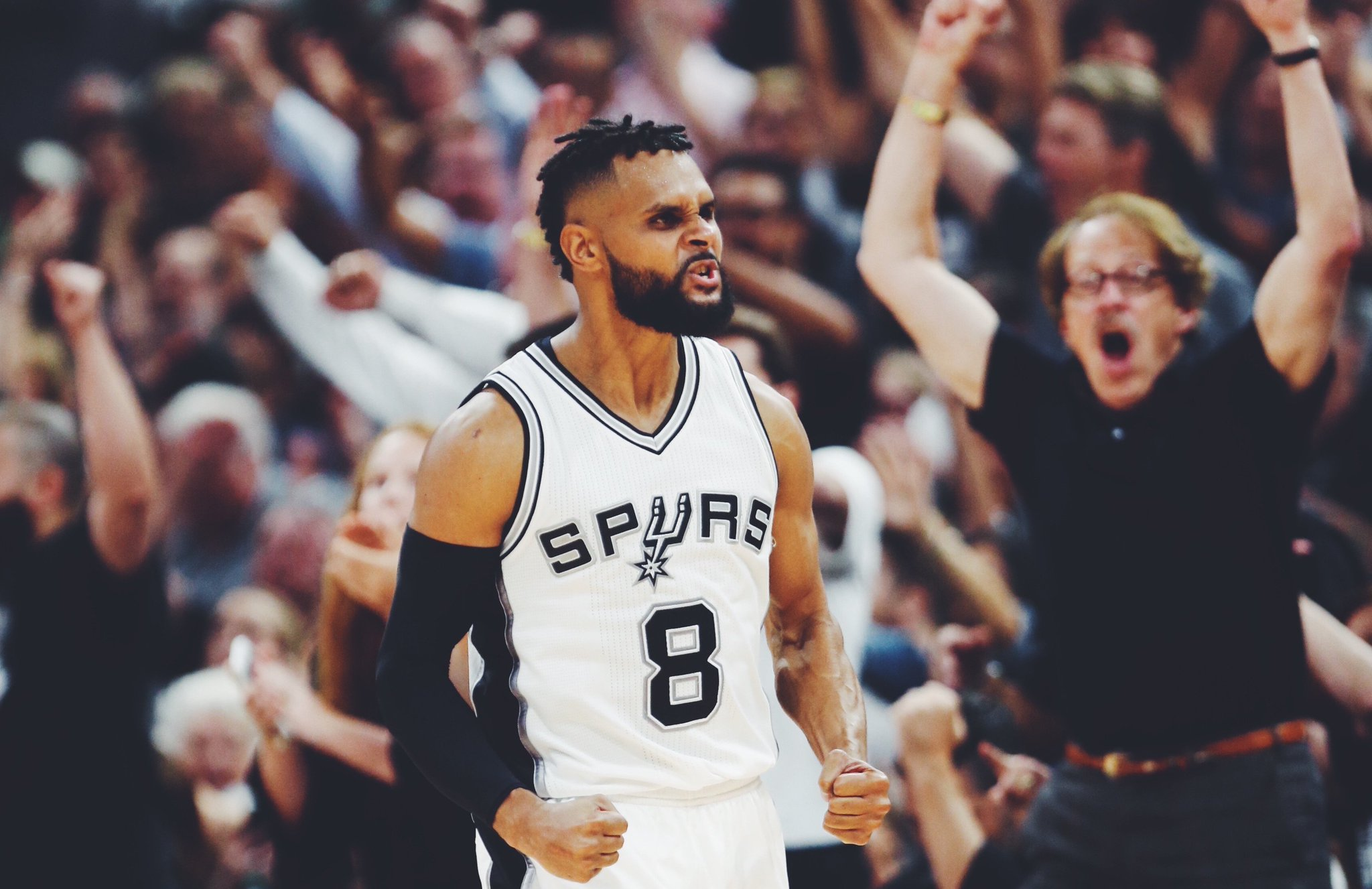 HE'S BACK, BALA, HE'S BACK!   We've officially re-signed @Patty_Mills » https://t.co/TOEYCCHYVw https://t.co/WrrJPJPdrN