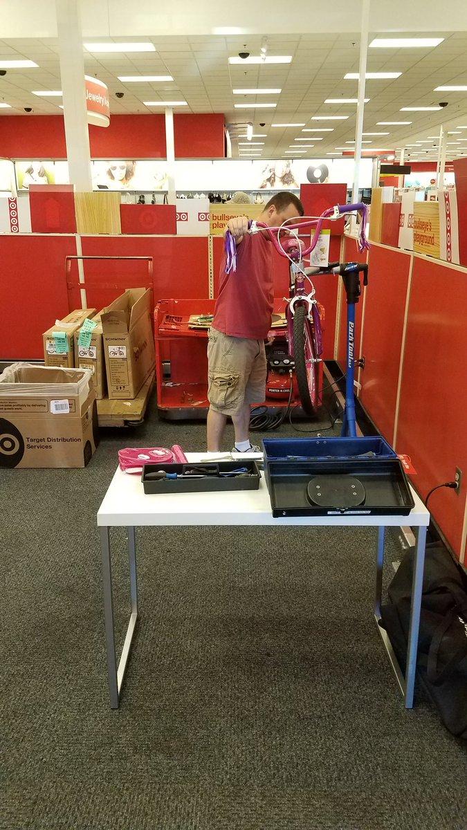 Jim is hard at work building bikes today! #BuildingOnTheFloor #DrivingSales #FillingForTheWeekend #T0619 @Handler29 @emfreezy @Adam_Reiter<br>http://pic.twitter.com/UNw3CUMYxt