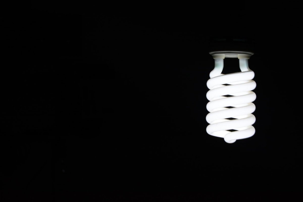 Upgrade your #lighting to the 21st century and #automate it! #Wirelessly schedule and control any #lightbulb directly from your smartphone<br>http://pic.twitter.com/EuNn9b8SJr