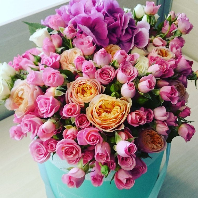 Доставка цветов и букетов в Москве
