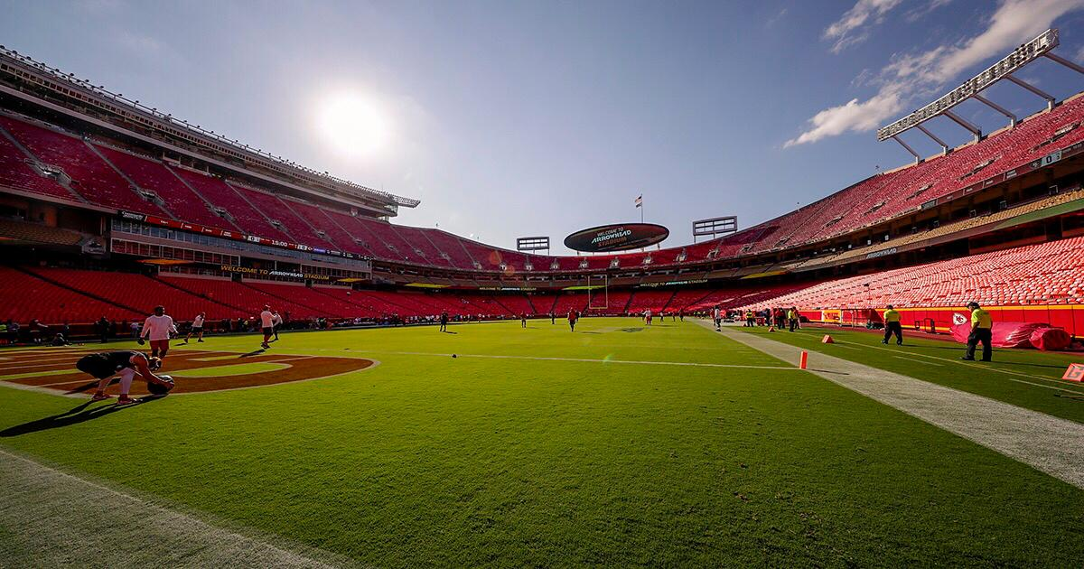 Less than 90 minutes til ��!   See who is anticipated to not play: https://t.co/pZBnlJFPw7 #SFvsKC https://t.co/ccMCwLaAiF