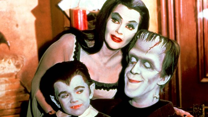 'The Munsters' is getting the reboot treatment https://t.co/fzQBFQYGnB https://t.co/0LTqY8CoCO