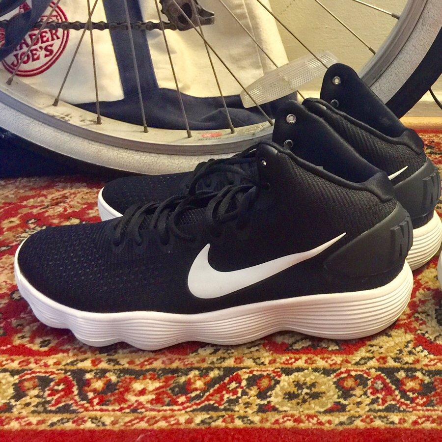 9fc179a2ad6  Nike  nikehyperdunk  hyperdunk  hyperdunk2017  kicks  sneakers pic.twitter.com xGBGVQdhQO