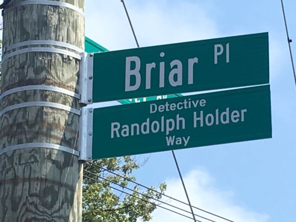 A street in #FarRockaway now bears the name of a fallen #NYPD officer who was killed in #EastHarlem in 2015.