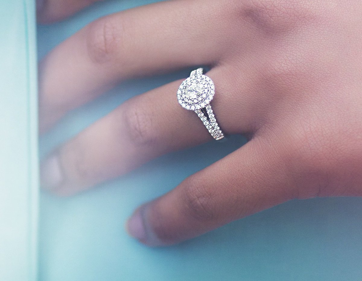 Reeds Jewelers has a huge selection of rings for any occasion and setting. Browse our online catalog, or come see many of these pieces in a store near you in the Northeast.