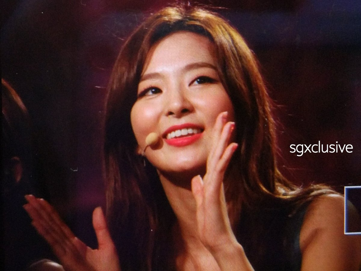 [#MusicBankinSg] Also the ever pretty #Seulgi, #Wendy, and #Yeri from #RedVelvet!! 👋👋