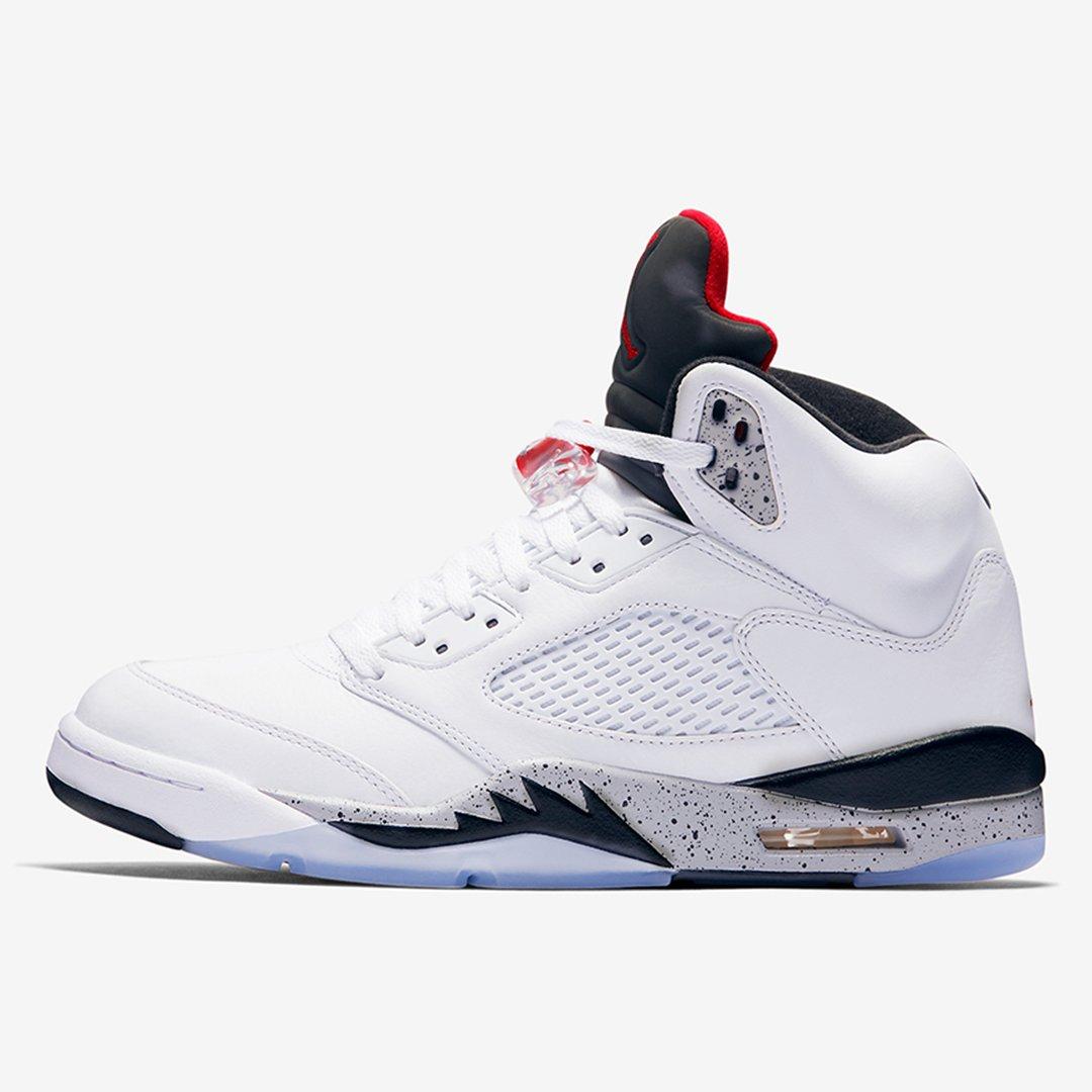 hot sale online b369f 7443b Foot Locker Canada