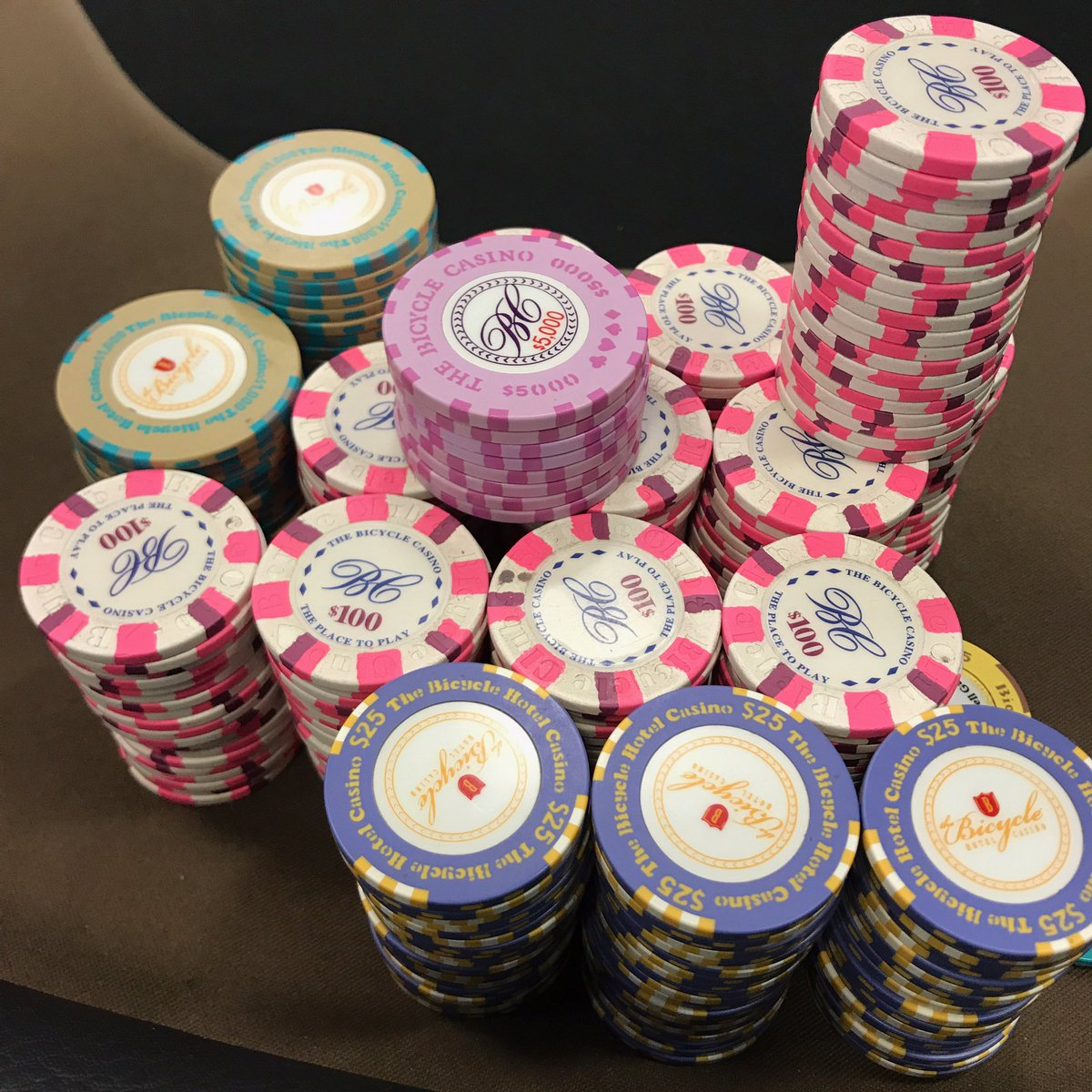 Live At The Bike Poker Stream On Twitter More Chip Porn From Friday S 25 50 Nl Game This Is What 107 000 Looks Like