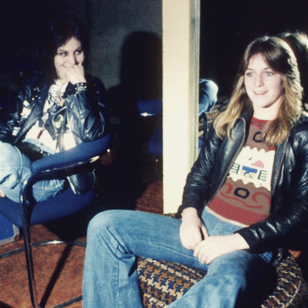 42 years ago today, Joan Jett, Sandy West and Kim Fowley started The Runaways. https://t.co/s4UIQbdrjf