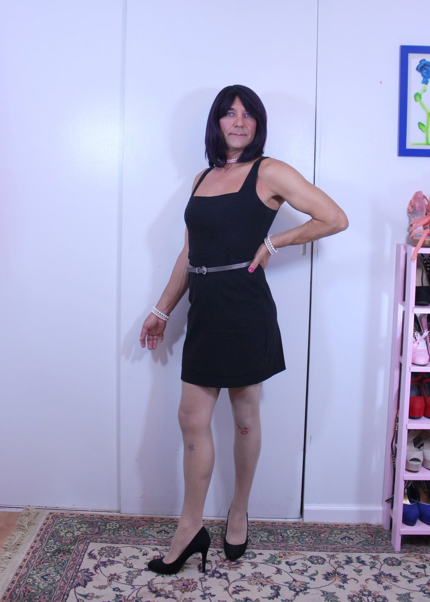 "ohmichelleoh on twitter: ""little black dress @sissy https://t.co"