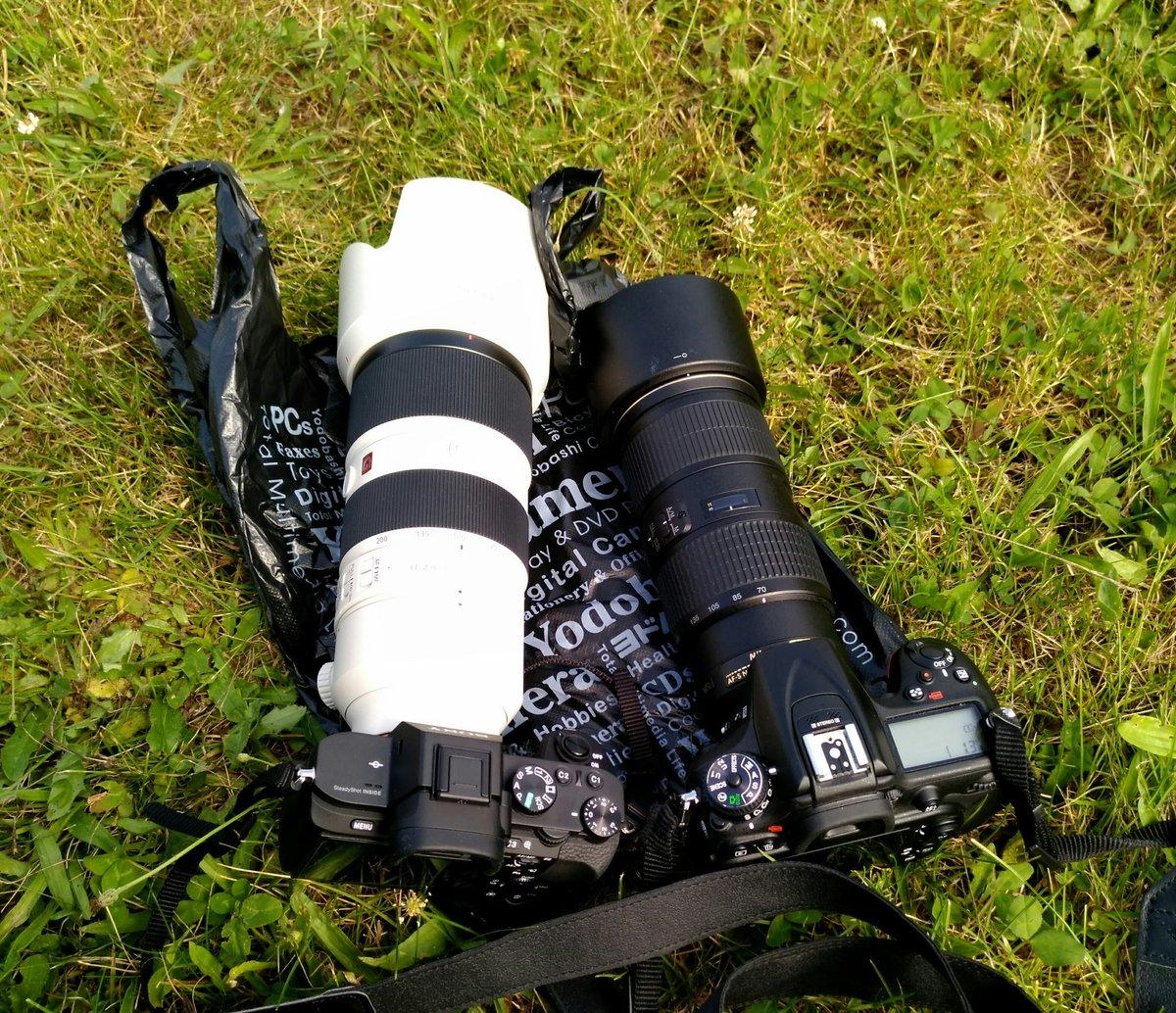 ヨドバシカメラ主催の撮影会にきました レンズを借りましたが、慣れてないので重量で首がもげそうです ※SEL70200GMを借りました https://t.co/60KrntzykU