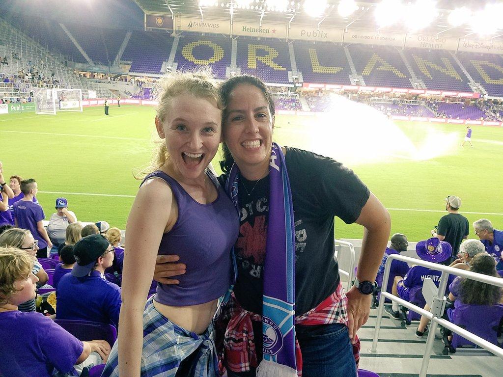 It&#39;s 90&#39;s night at the @ORLPride pride game. Let&#39;s get it done girls. @HeidemannB  #ORLvCHI #prideintheair #throwback #SoccerSaturday<br>http://pic.twitter.com/vydXsGLeM5 &ndash; à Orlando City Stadium