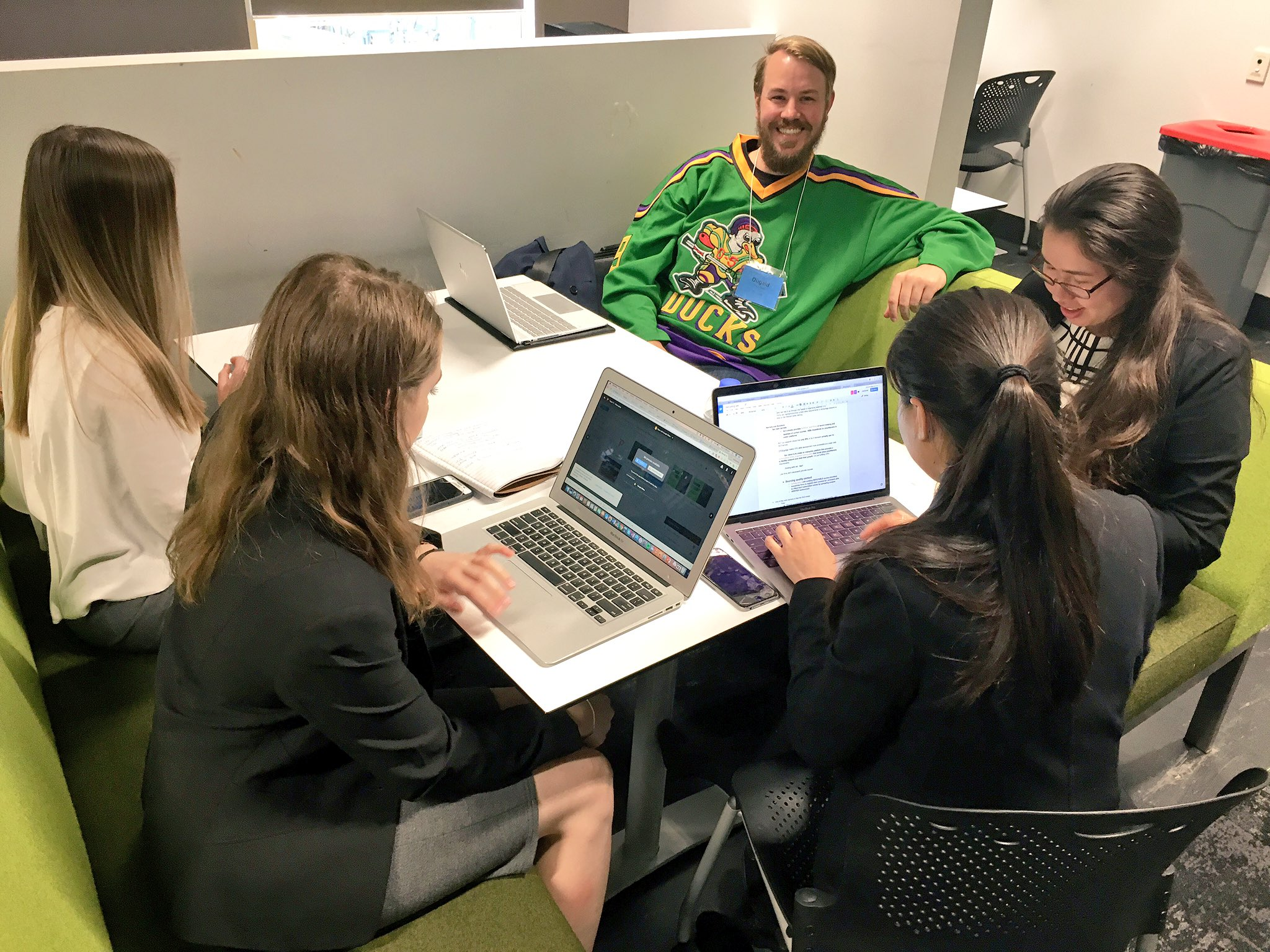 #DisruptingLaw update from the ground: here's the @AllensLegal mentees with Dugald, the floating mentor from @_23Legal #auslaw #Legaltech https://t.co/Q6SPakGErM