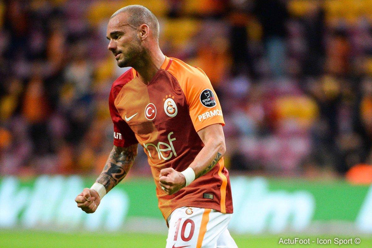 🔴 BREAKING ! Wesley Sneijder vient de confirmer à des proches sa venue à l'OGC Nice ! (@YahooSportFR)
