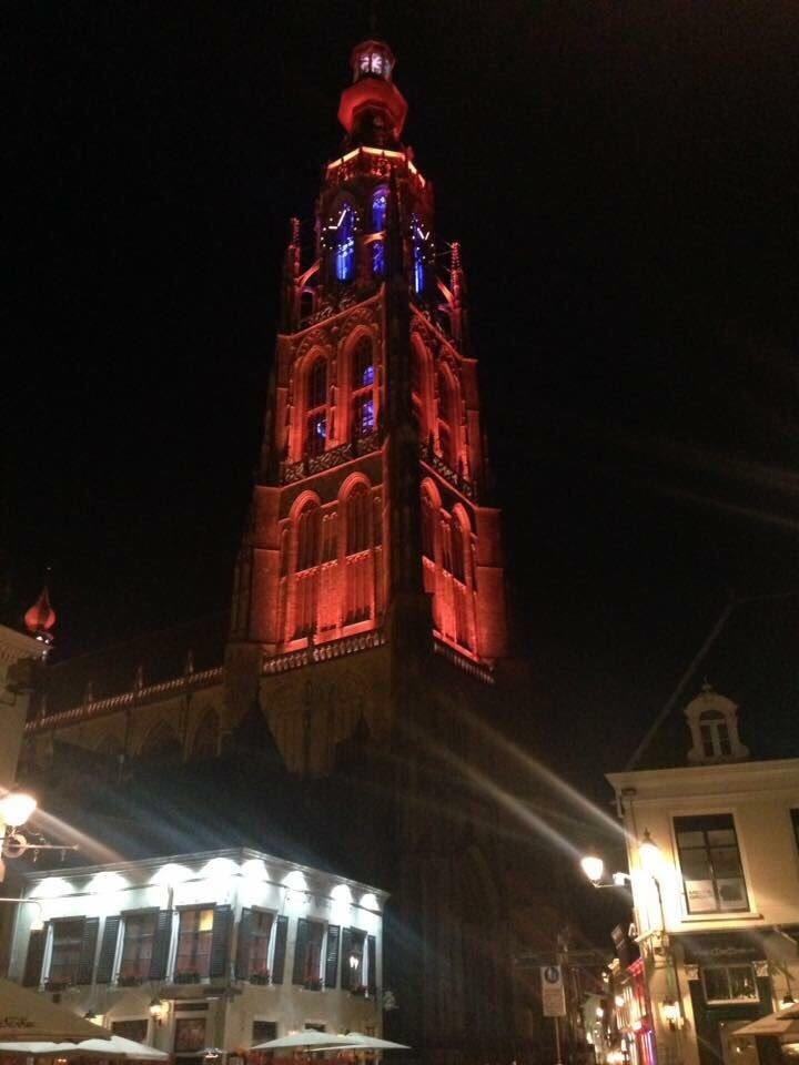 Onze Grote Kerk kleurt vanavond Oranje: Breda feliciteert #ORANJEVROUWEN https://t.co/DZUxpJ3O1Y
