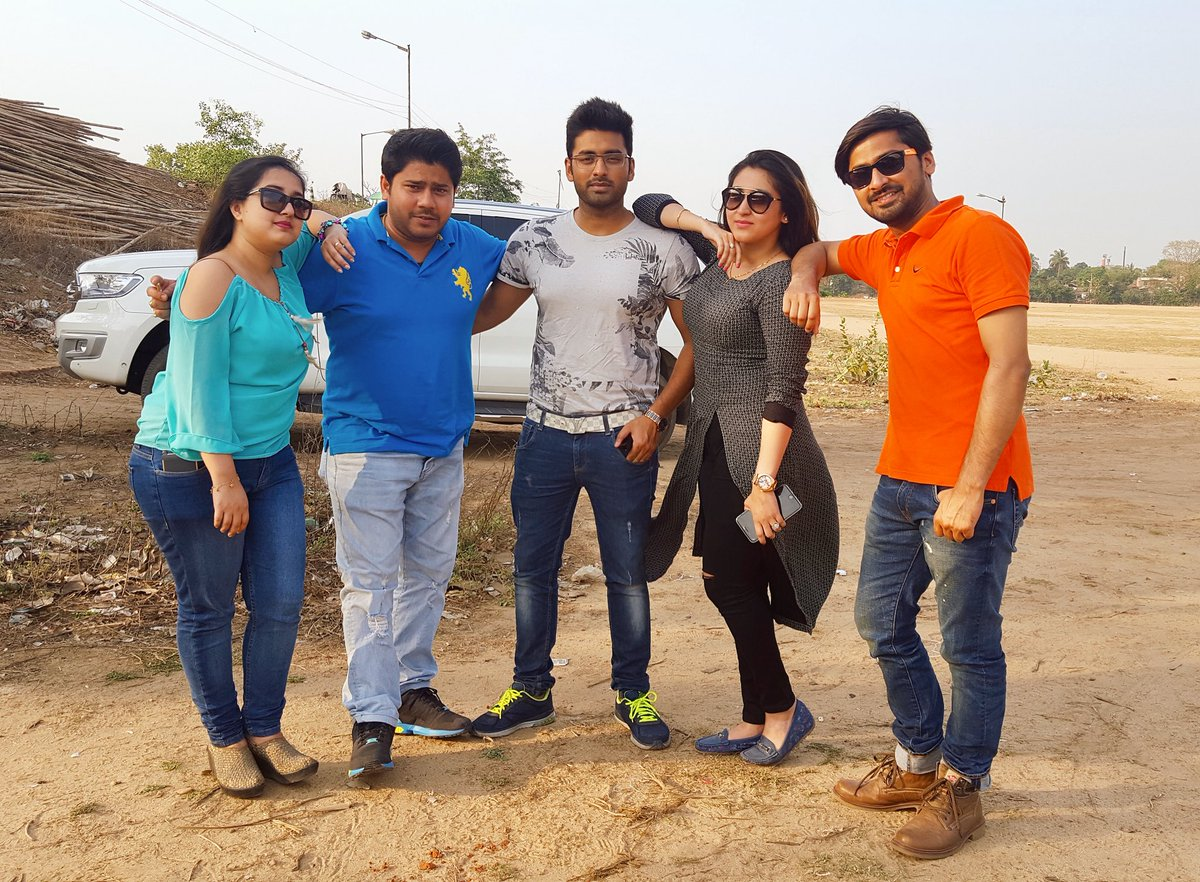 Mad group frm mad house @AnkushLoveUAll @nayankhan2007 #rian #sovi #srabu #handu #takuz #sagnik #HappyFriendshipDay to alllll <br>http://pic.twitter.com/zZWuhgQ2MS