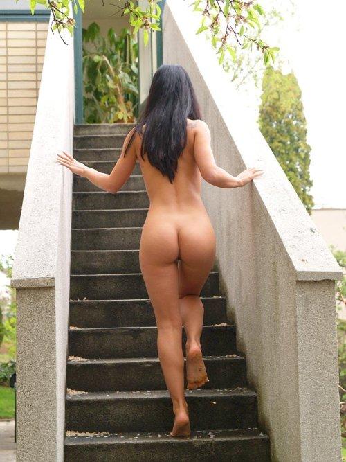 big-asses-naked-walking-around