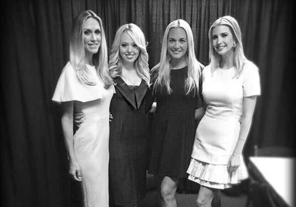 RT @IvankaTrump: Love these ladies! Happy #NationalSistersDay! 👯👯 https://t.co/rRm1yHrHQy