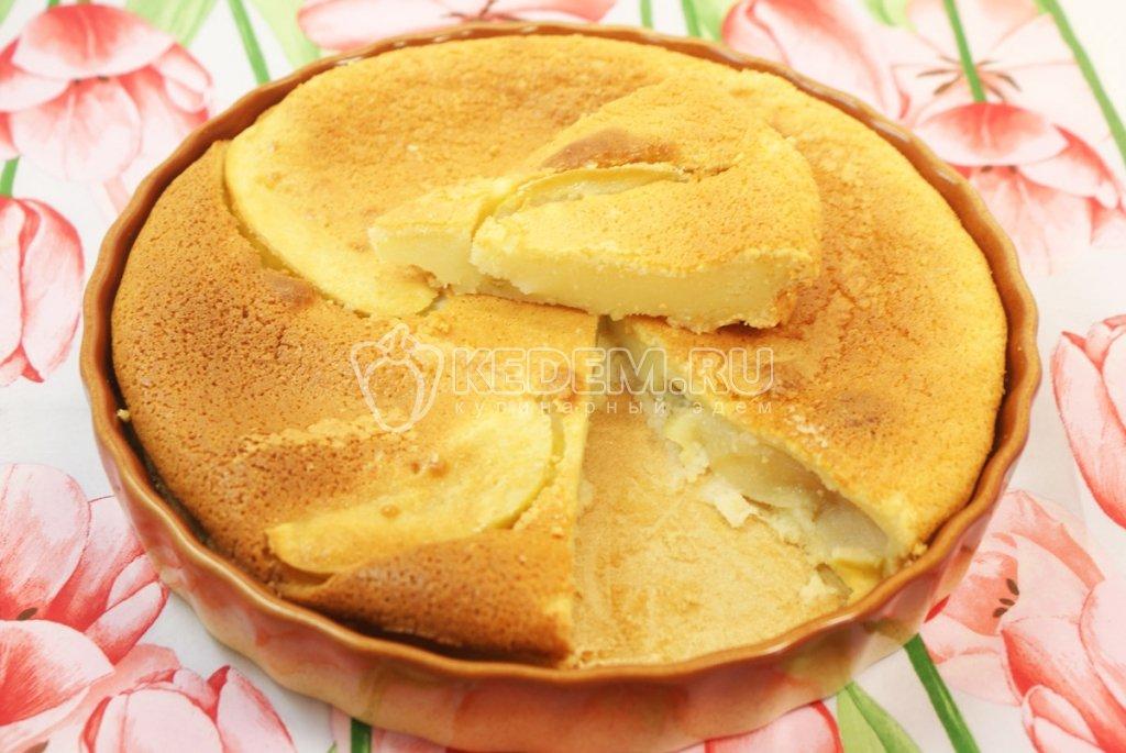 Пирог с яблоками заливной со сметаной