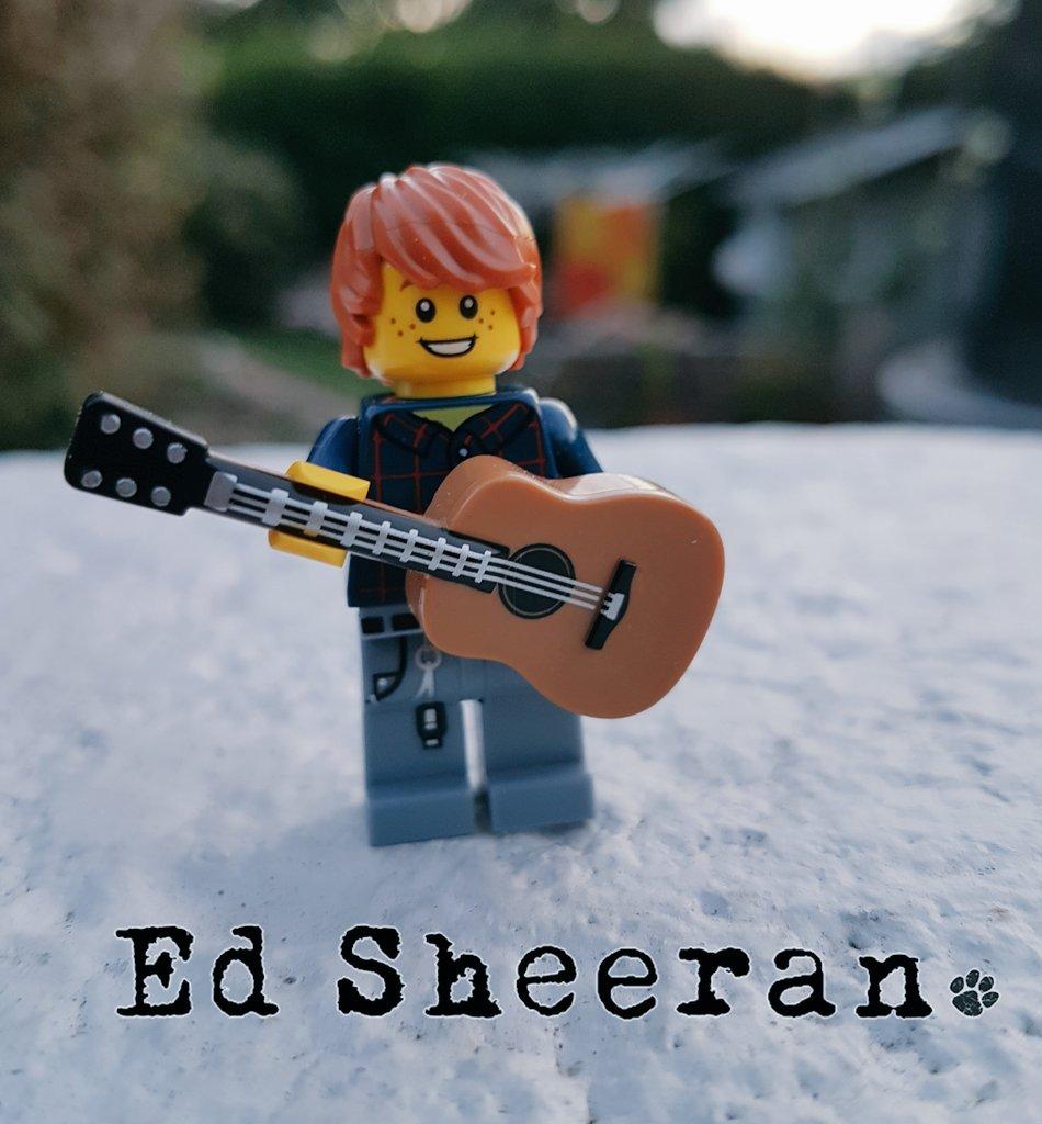 RT @eliistender10: I made Lego Ed Sheeran! @LEGO_Group @edsheeran #LEGO https://t.co/BtMvMtMsgW