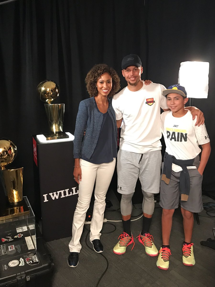 .@StephenCurry30 = proof to my son & others that u can be a great athlete AND a great person! Fun intvw-part of it runs tonite @SportsCenter