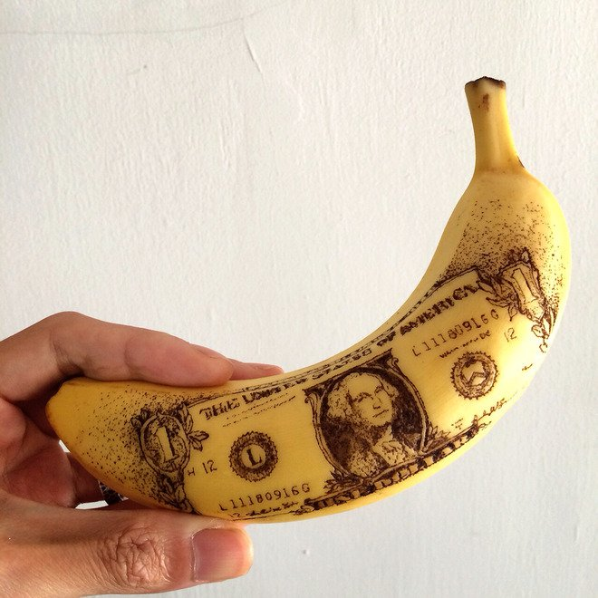 今日はバナナの日。 と、いう訳で これまで作ったバナナート作品の好きなもの4つ。 押しピンで皮に穴を…