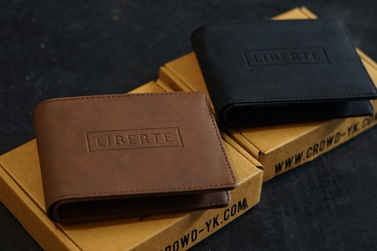 Only the essentials ; add some wallet  available at store and online @crowdhouse.id  #crowdhouse #crowdhousejogja #LBRT #liberte #fashion<br>http://pic.twitter.com/UuLuRkYLD9