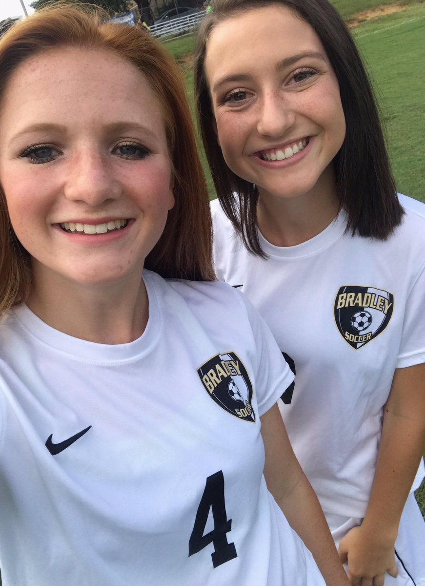 Happy birthday Moj!!!!! I love you so much the back line wouldn&#39;t be fun without you #ojs <br>http://pic.twitter.com/Esa4oHh8Jq