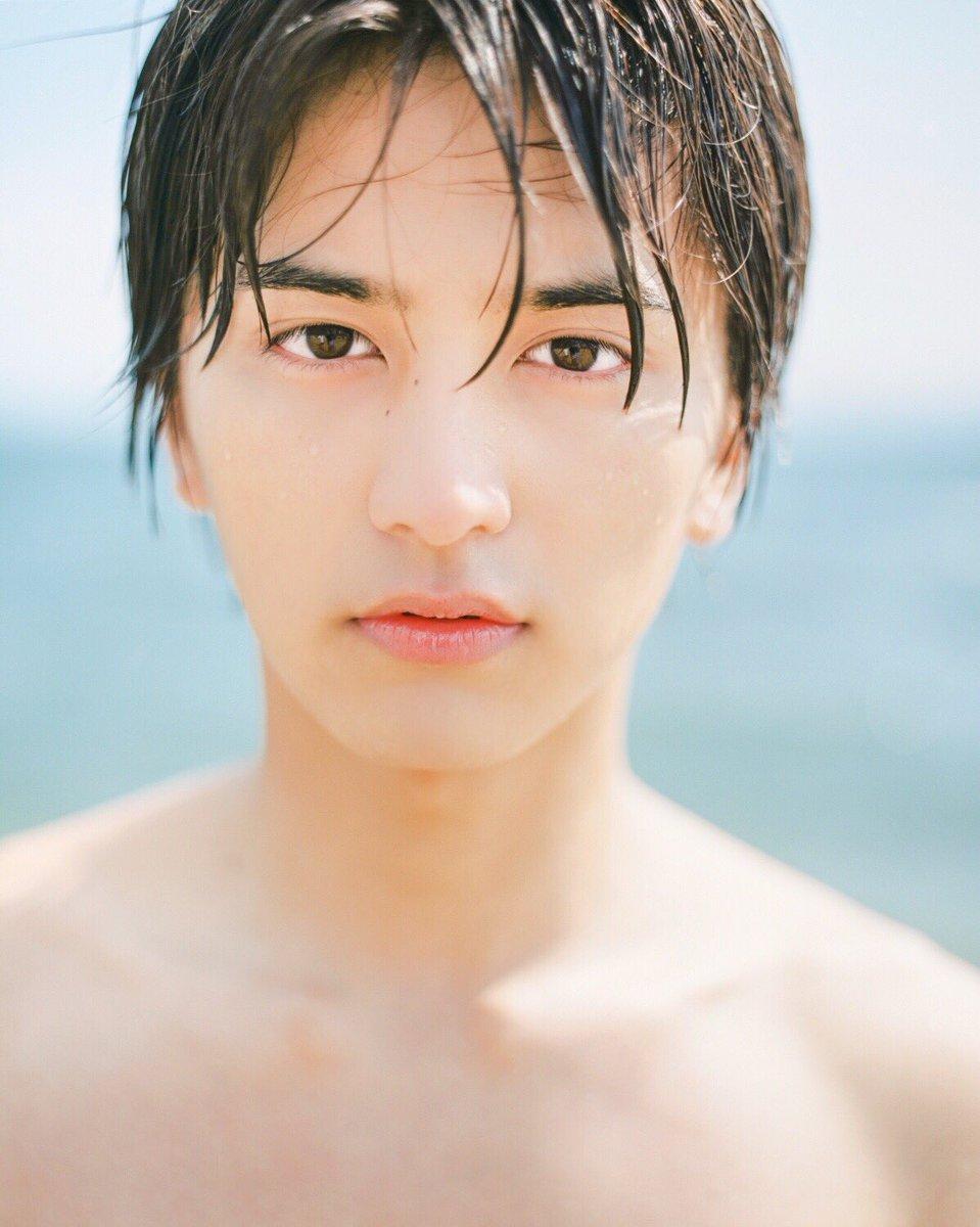 本日解禁! 写真集の発売日が10月6日(金)に決定しました! 6月に瀬戸内の島で撮影してきました☺️…