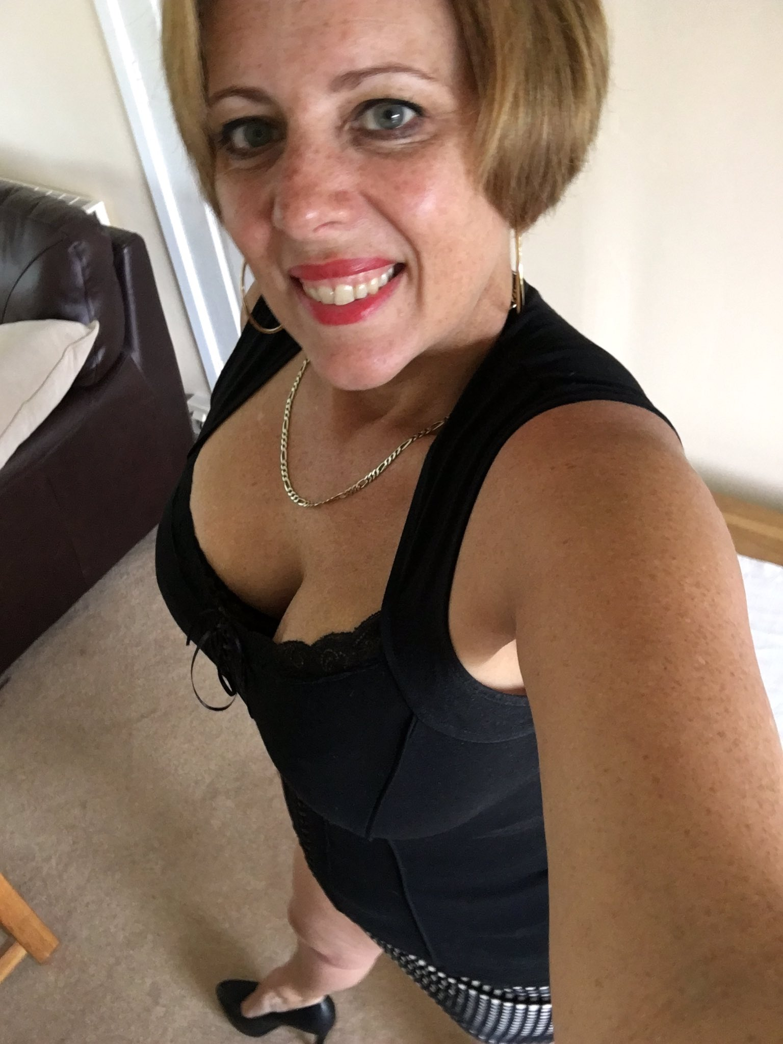 Curvy Claire on Twitter: Ready for the day ahead whatever