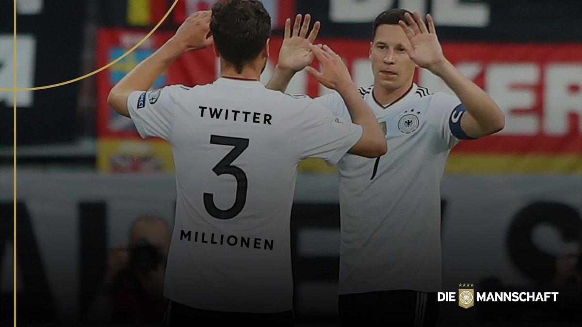 3️⃣ Millionen Follower auf @Twitter. VIELEN DANK 🙏🏼👍🏼 #DieMannschaft h...