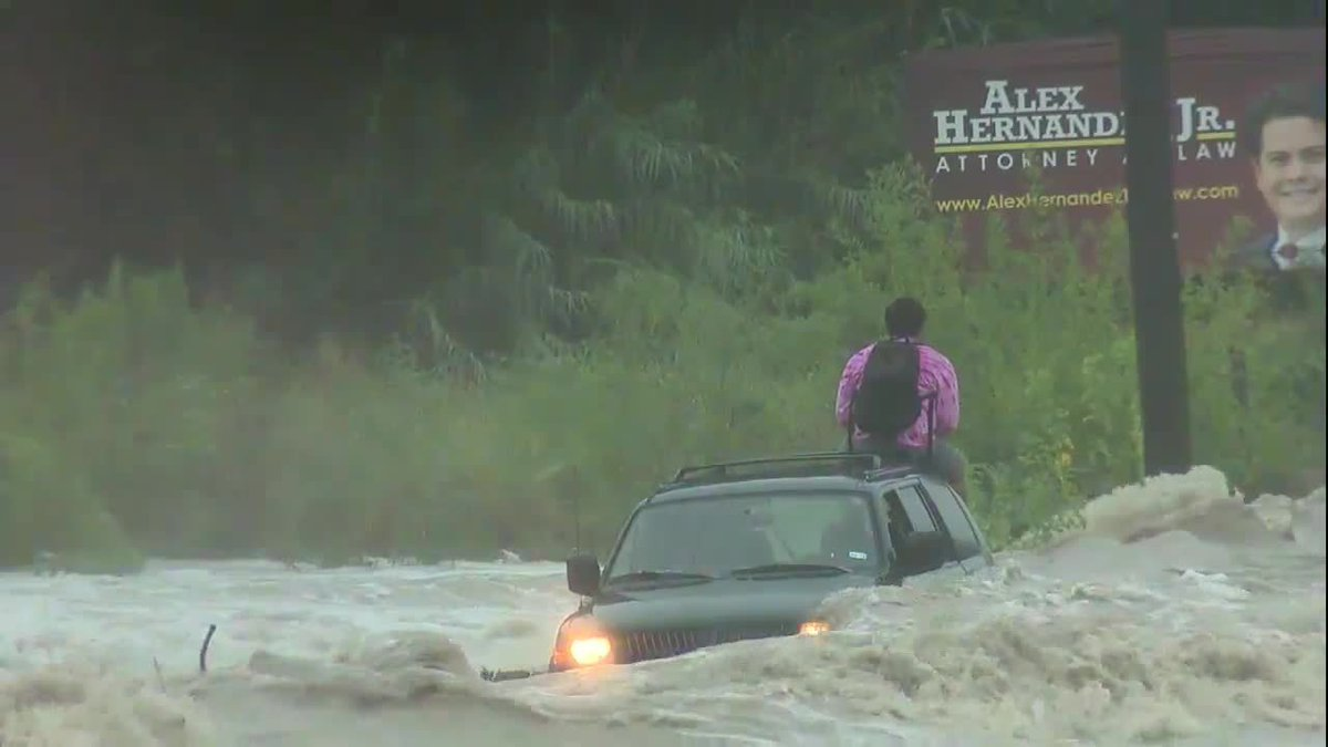 Live: high-water rescue at pinn road and highway 151 #ksatnews