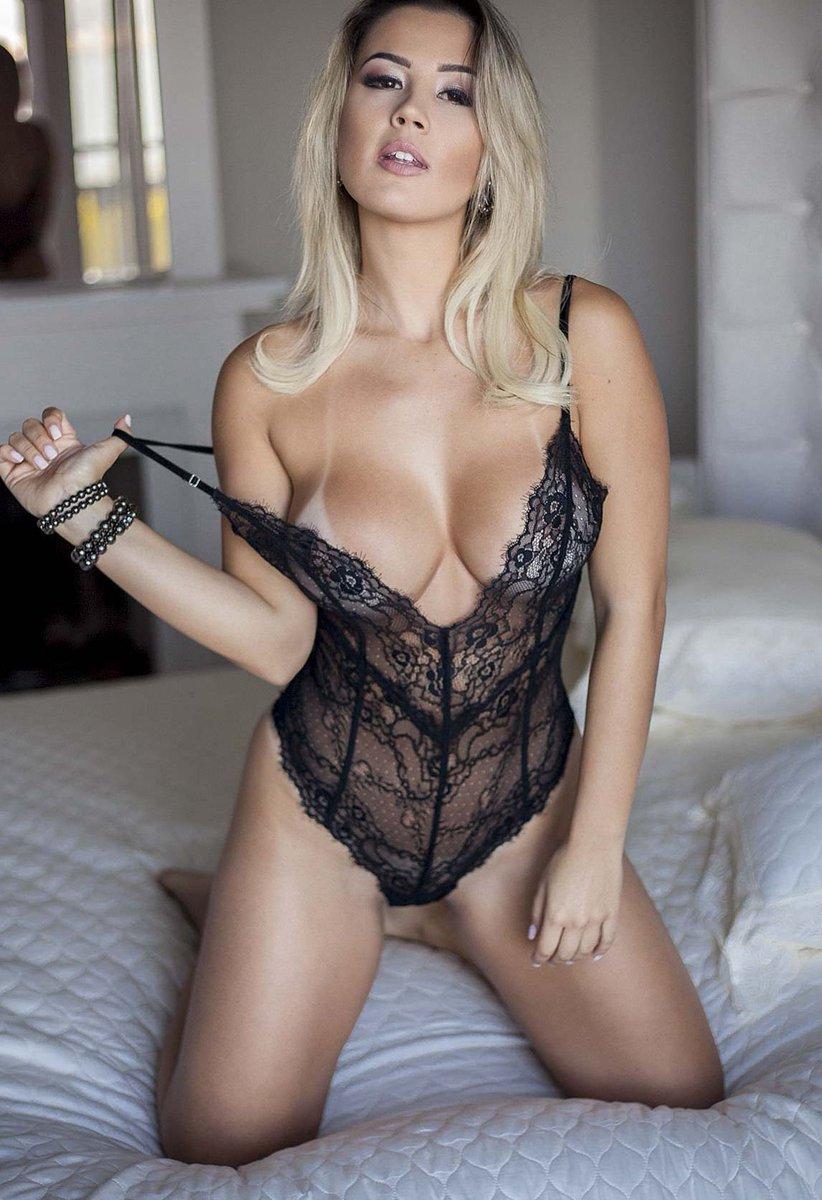 Kareena kapoor nude girl-4399