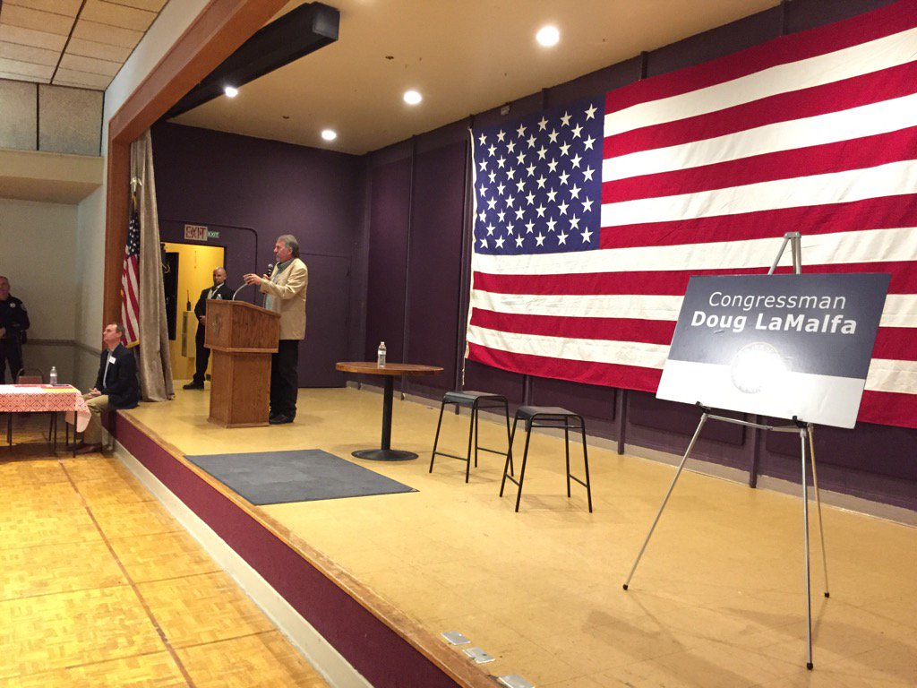 Rep. Doug LaMalfa (R-Richvale) kicks off his Monday morning town hall in Chico. (Phil Willon / Los Angeles Times)