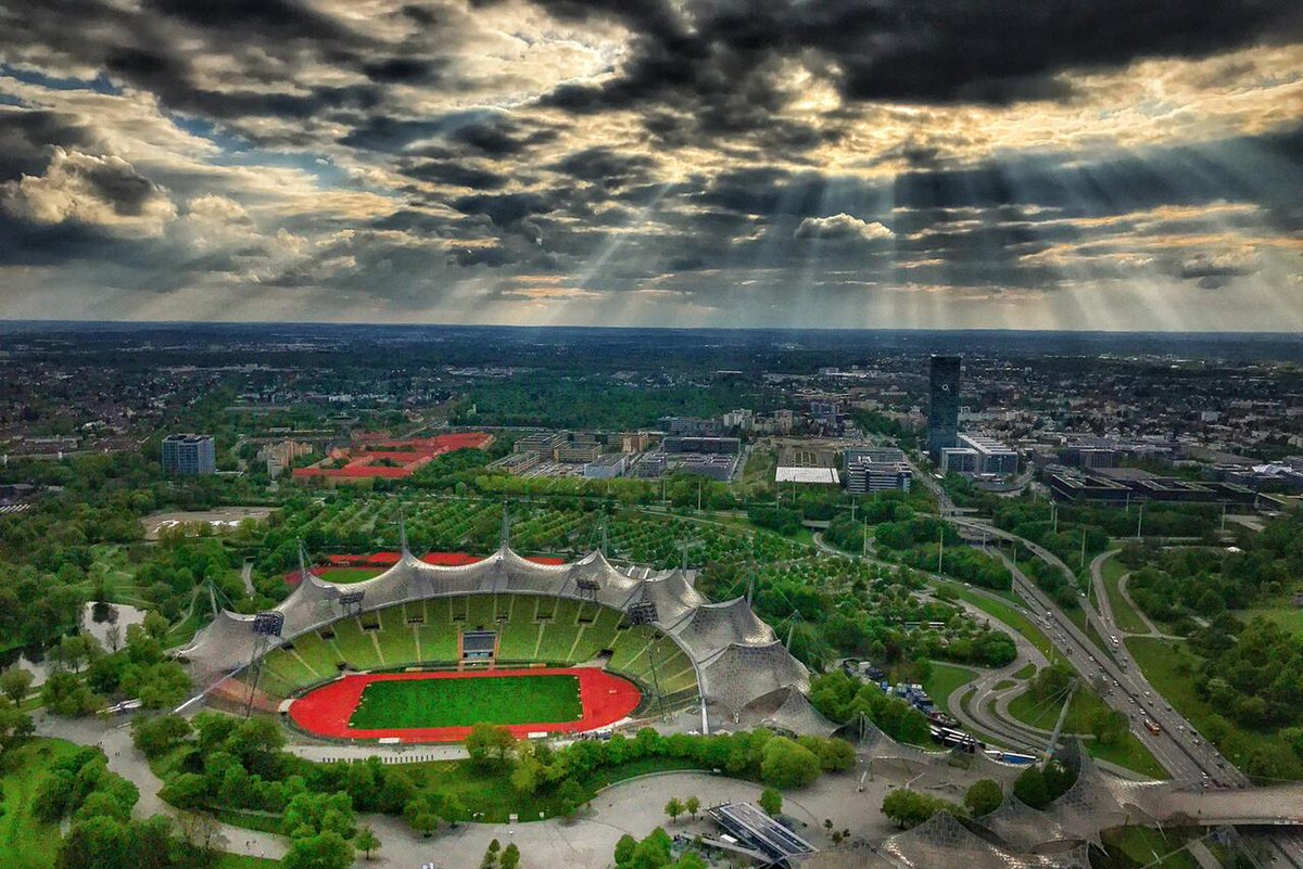 A beautiful view over Munich&#39;s Olypmic Center area and impressing weather! #FE  <br>http://pic.twitter.com/TPabVjvaCM