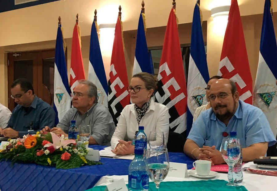 EXCLUSIVO – PT e grupos Irregulares (MST e MTST) enviam militantes para a Venezuela  https://t.co/UoVJ9kMvbn https://t.co/ftpzFHA5Np