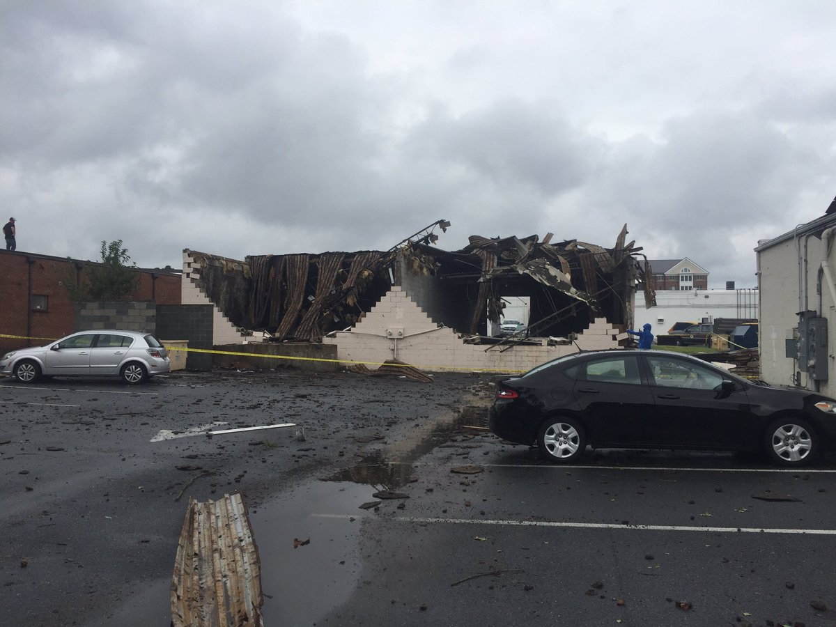 More pictures coming in from possible tornado in Salisbury, MD.  Photos courtesy Tommy McManus. @spann #wbal https://t.co/h0wJt9FKTC