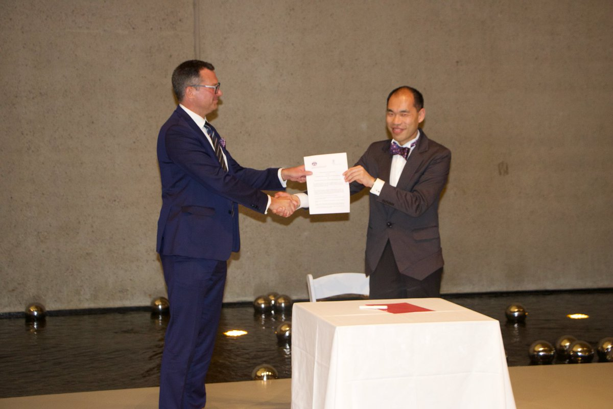 Signing of #MOU between @WIPO &amp; @fit_ift, ratified by XXI Statutory Congress, during the #FITCongress2017 Celebration Dinner at #QAG #WIPO<br>http://pic.twitter.com/6eNAi5AJQ7