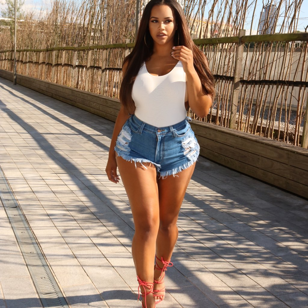 Lateysha Grace Nude Photos 4
