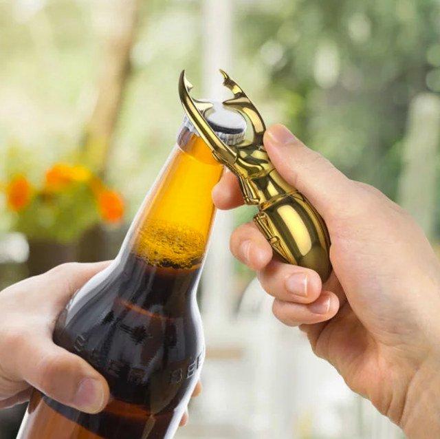 「クワガタで瓶ビール開けたい願望」を叶える栓抜き $13