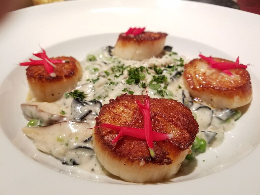 Pan Seared Day Boat #Scallops #fresh #local #seafood<br>http://pic.twitter.com/QhkhGzd93y