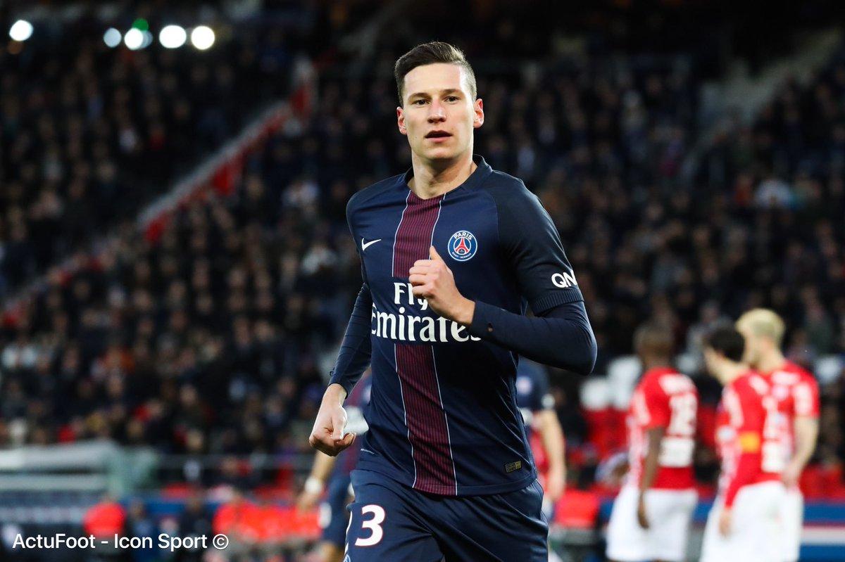 Julian Draxler n'a pas l'intention de quitter le PSG malgré l'arrivée de Neymar (qui évolue au même poste), selon son entourage. (@lequipe)