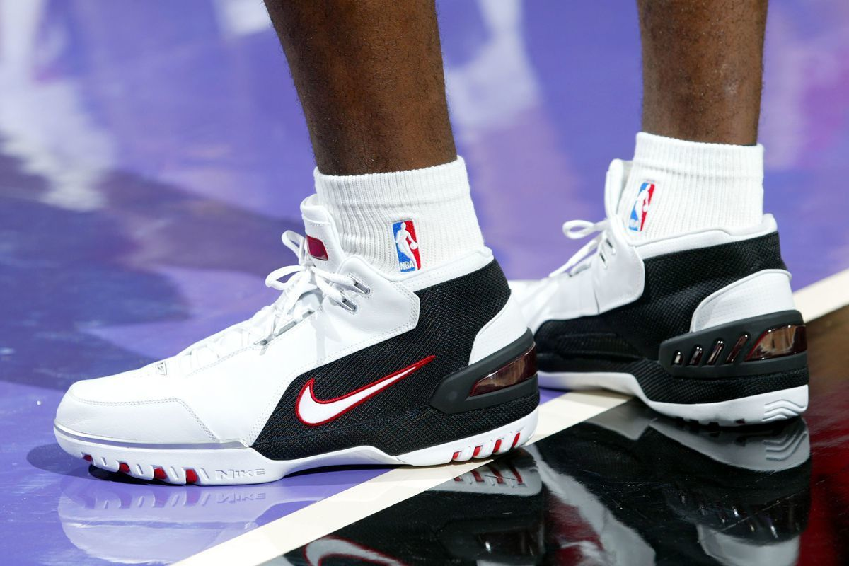 the first game worn colorway of lebron james nike air zoom generation is  returning soon e66804950