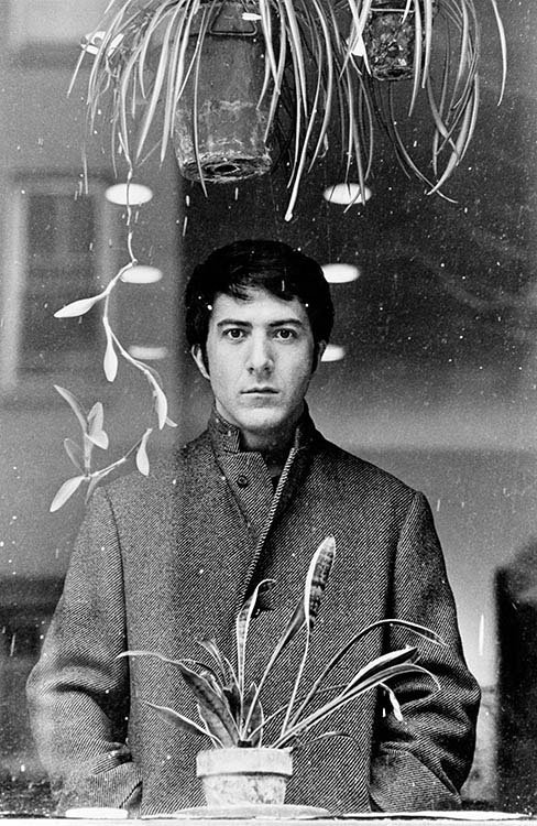 Happy 80th Birthday Dustin Hoffman! Here's one on set of 'John and Mary', 1969. https://t.co/teXyPPkku5