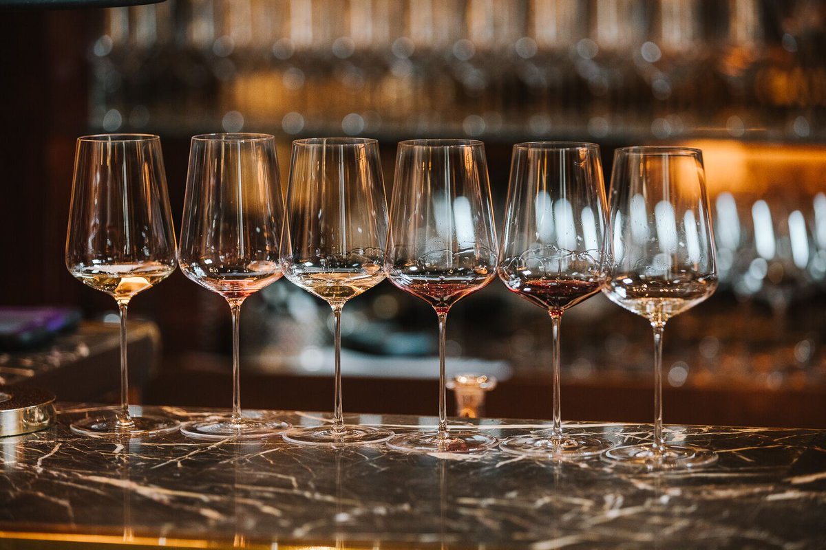 Formal #tastings are recommended between 10 &amp; 12, whilst our sommeliers&#39; palates are fresh &amp; unaffected...#10amtasting #finewine #sommeliers<br>http://pic.twitter.com/L0iwz92h5G